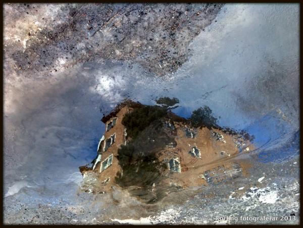 Hus i vårvatten Körling fotograferar 2013