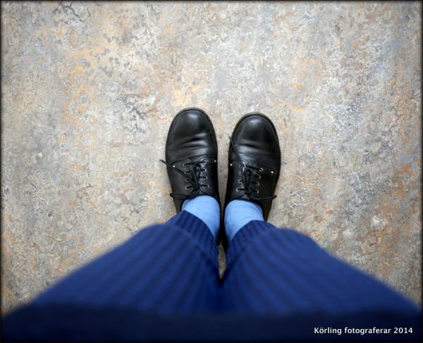 Körling fotograferar sina fötter 2014