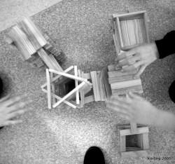 Elever samtalar och resonerar om hur att bygga. Körling 2007